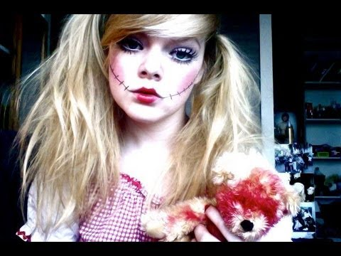 Strašidelná bábika make-up s umelými mihalnicami | bestmakeup.info