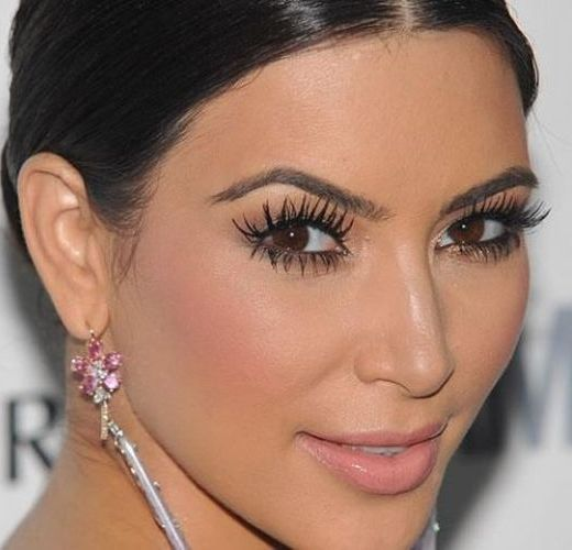 Kim-Kardashian s predĺženými 3D mihalnicami